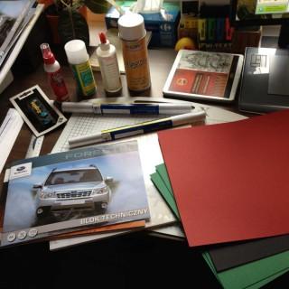 Kleje, blok techniczny, papier kolorowy, folie do laminowania na zimno