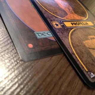 Porównanie jakości - fabryczna karta M:tG oraz ręcznie wykonana karta Biohazard